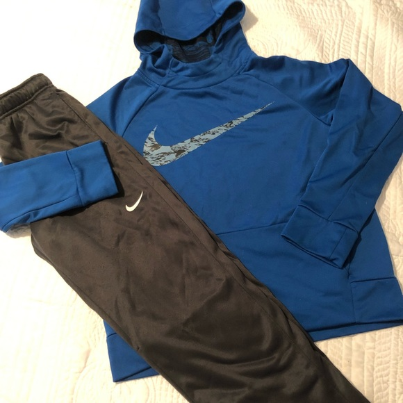 matching nike hoodies for couples
